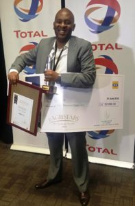 sihle-with-award